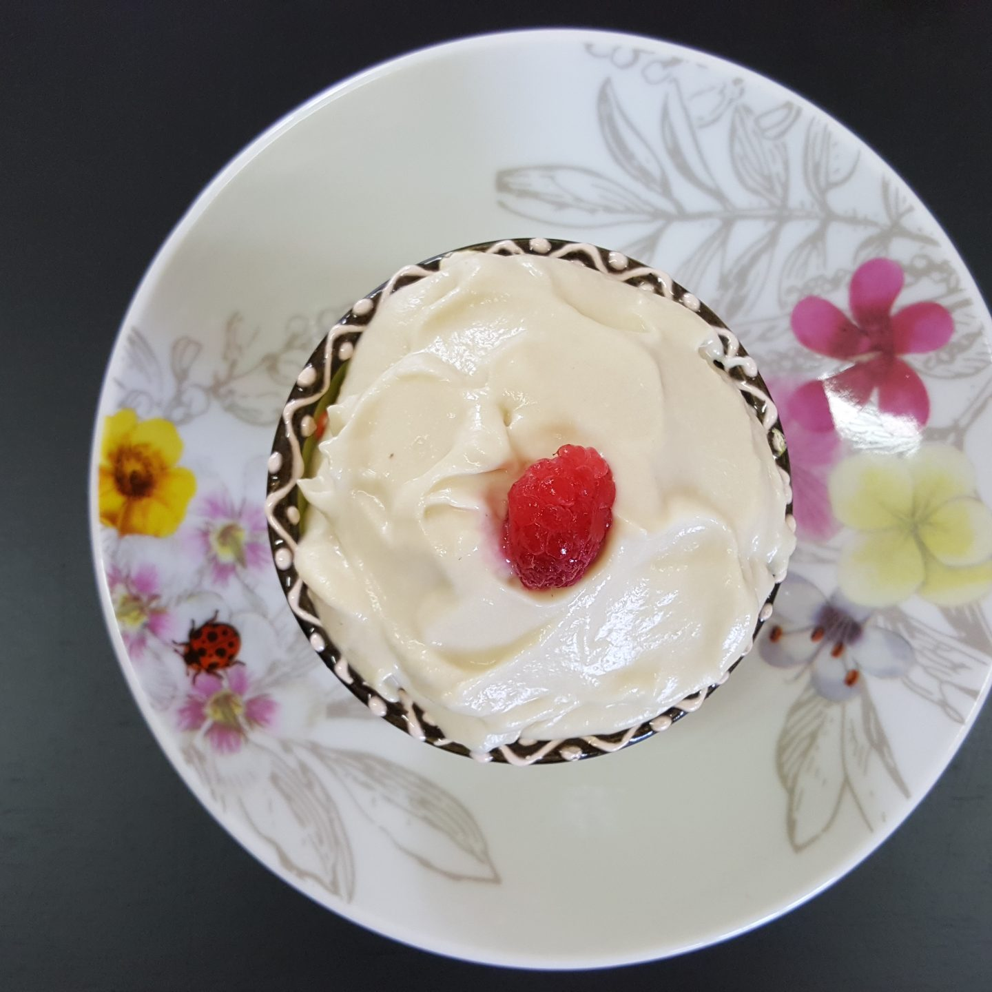 Dairy-free Lemon Cream Cheese Icing